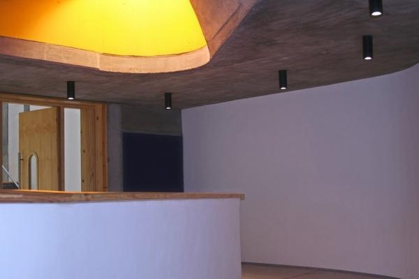 unique-lighting-red-location-museum007ACD20F8B-B66A-67B5-FB95-8FF885221387.jpg