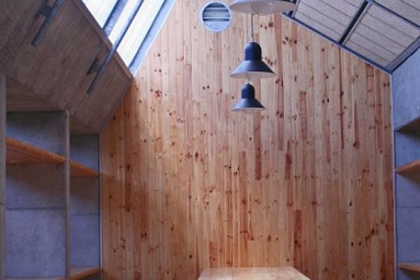 unique-lighting-red-location-museum01053B9776C-90B6-9C89-4CAB-D8A8D51E0D25.jpg