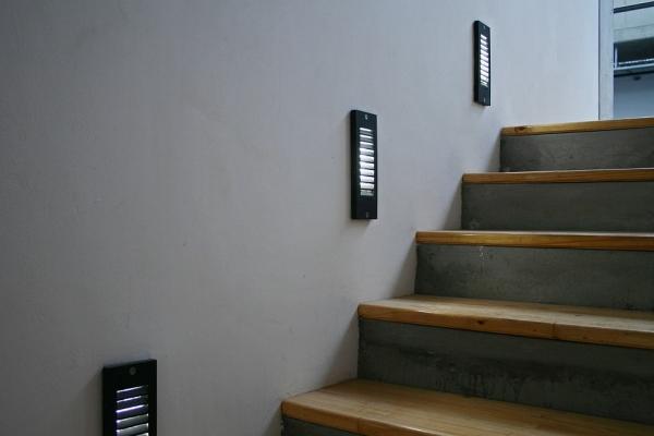 unique-lighting-red-location-museum030F2A64CA6-A596-AC1E-750B-C9EAEC122ED4.jpg