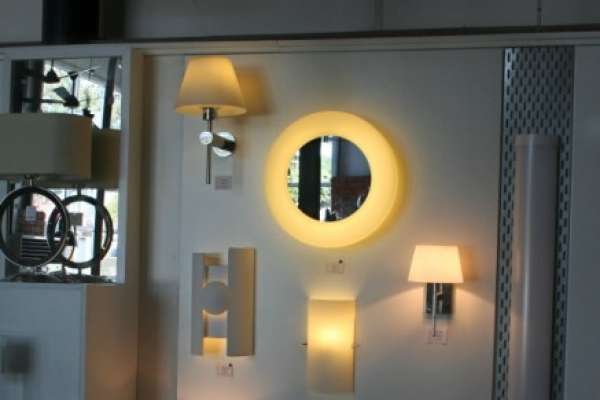unique-lighting-showroom0118EB154C1-5BFD-BA15-FD84-04381E54AB1E.jpg