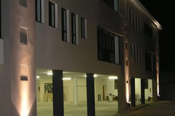 unique-lighting-worraker-street001C1A75572-3C64-01C9-0DDD-10833F0E9B53.jpg