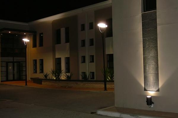 unique-lighting-worraker-street0033E698617-E587-8BCA-A510-BB0035EDE6CE.jpg
