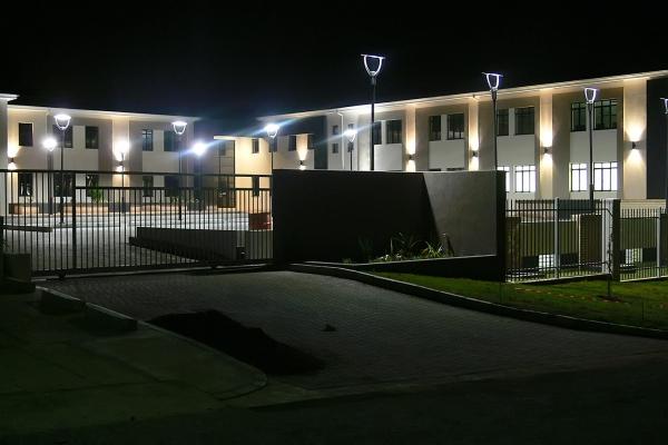 unique-lighting-worraker-street00403C6D9BD-BFB5-D59F-9E1E-26073B9528FD.jpg