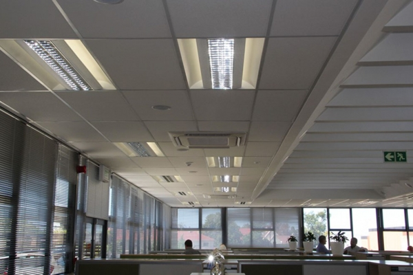 unique-lighting-nedbank-george008DCB1B6F5-1BAE-F30B-E74E-7157085B7566.jpg